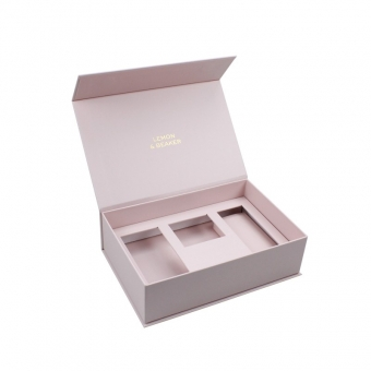 Decorative pink magnetic gift box