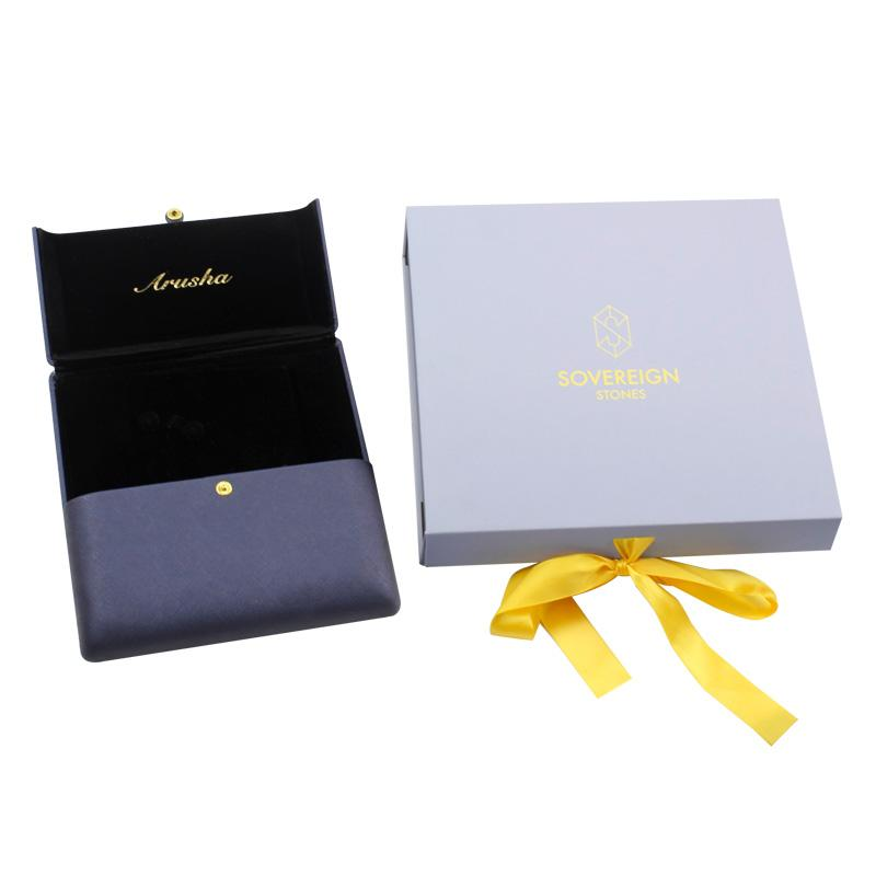MagneticMagnetic Box With Ribbon